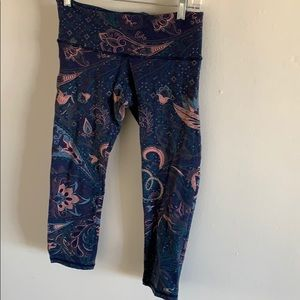 O'Neill patterned blue leggings in a small